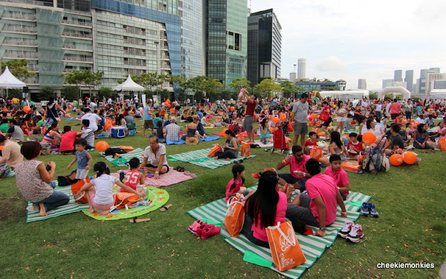 Deliveroo serves up the Best Free Picnicking-Parade Spots this National Day