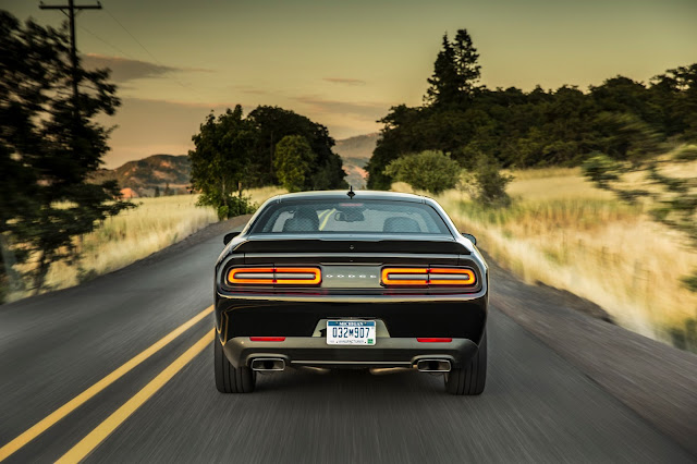 Rear view of 2016 Dodge Challenger R/T Scat Pack