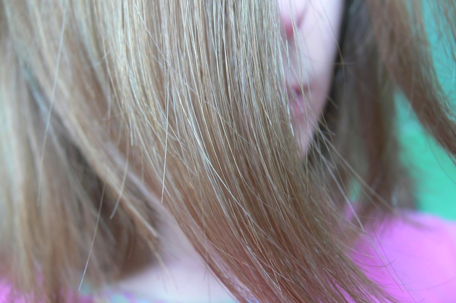 Avon Advance Techniques Średni Popielaty Blond 8.1 efekt po farbowaniu