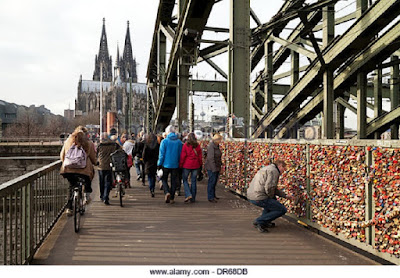 hohenzollern-bridge-with-love-locks-padlocks
