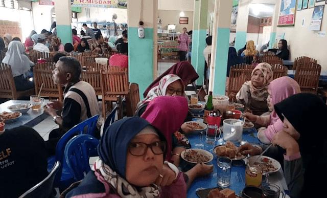 Kondisi Warung Soto Bancar Ramai Pengunjung