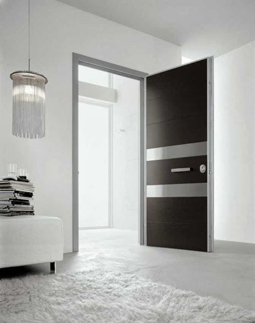 minimalist door decor