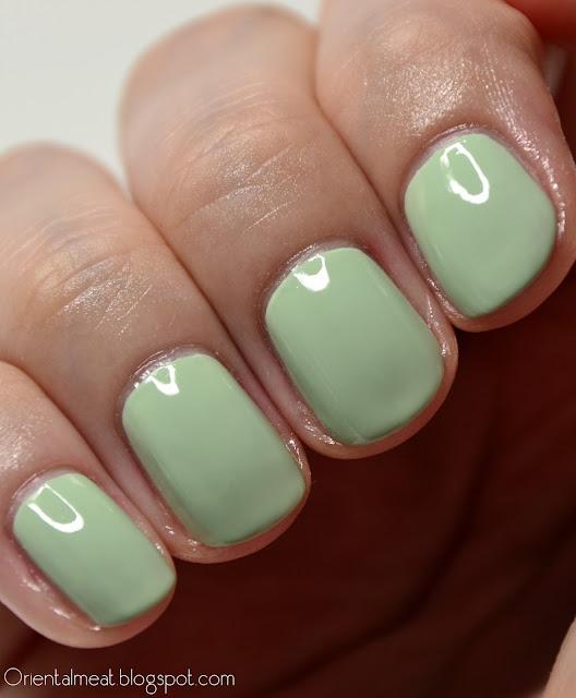 China Glaze-Re-fresh mint