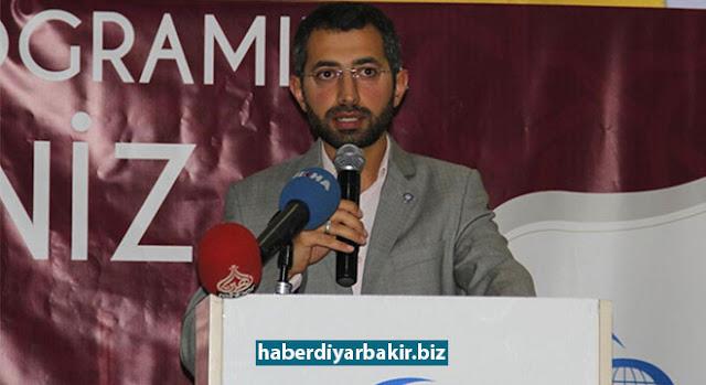 DİYARBAKIR-Anadolu Gençliği Derneği (AGD) Diyarbakır Şubesi tarafından bir düğün salonunda iftar programı düzenlendi.