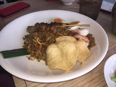 arroz salteado con pescado