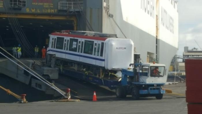 Llegan los primeros vagones de la línea 2 del Metro