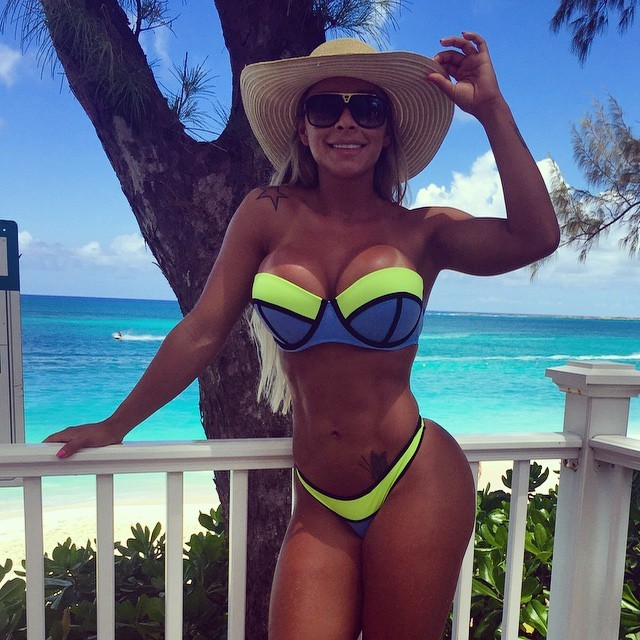 Fitness Rafaela Ravena Instagram photos