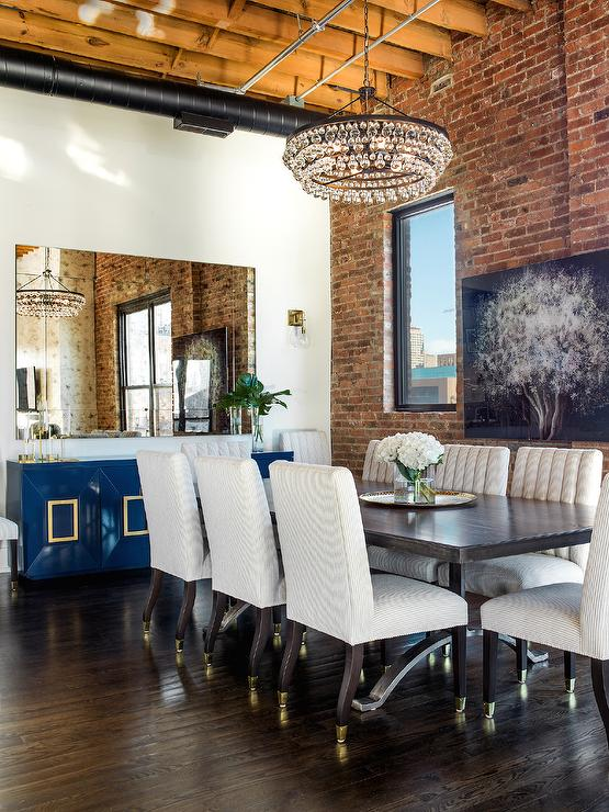Elegant dining rooms that are also comfortable and relaxed for Loft dining room ideas