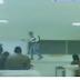 فيديو تلميذ سكران يروع الأستاذ و التلاميذ داخل القسم