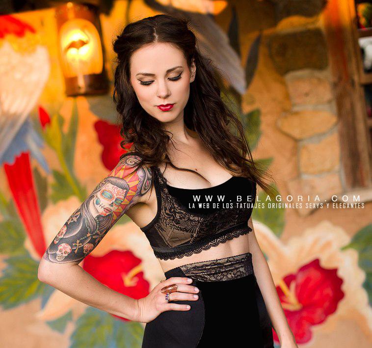 fotos de mujeres tatuadas con diseños originales