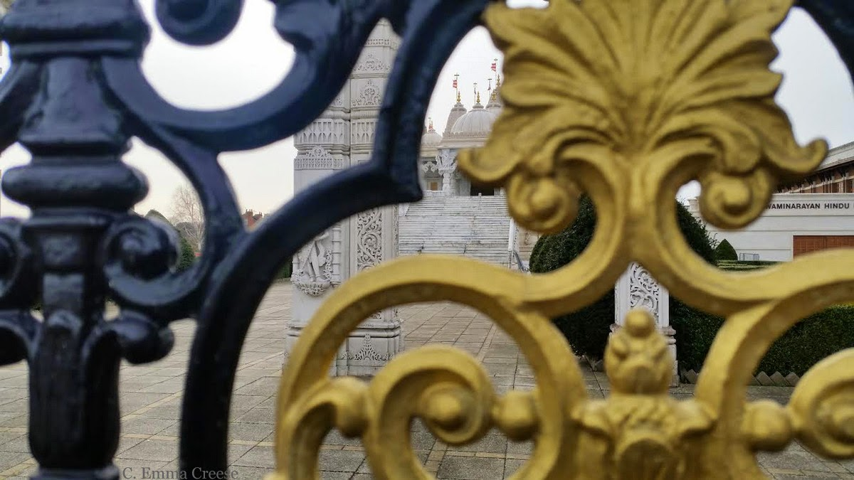 Neasden Temple - Friday figments and photos - Adventures of a London Kiwi