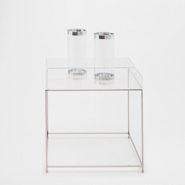 Szklane wazony z metalicznymi wstawkami