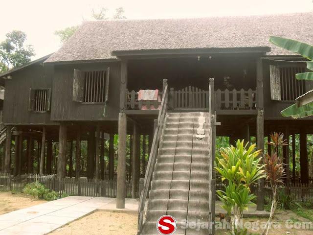 Gambar Rumah Betang di Desa Buntoi
