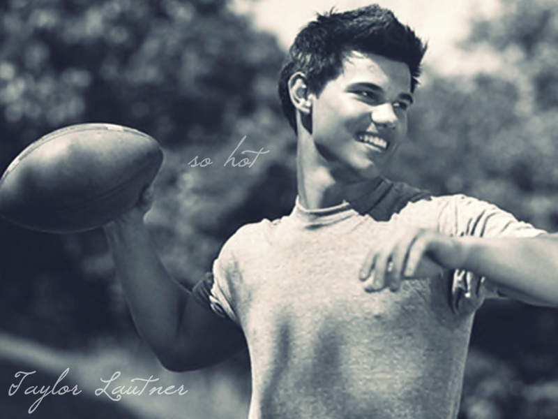 Taylor Lautner New 2012 Wallpapers