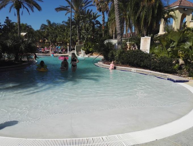Regal Palms resort, vesipuistomajoitus Orlandossa