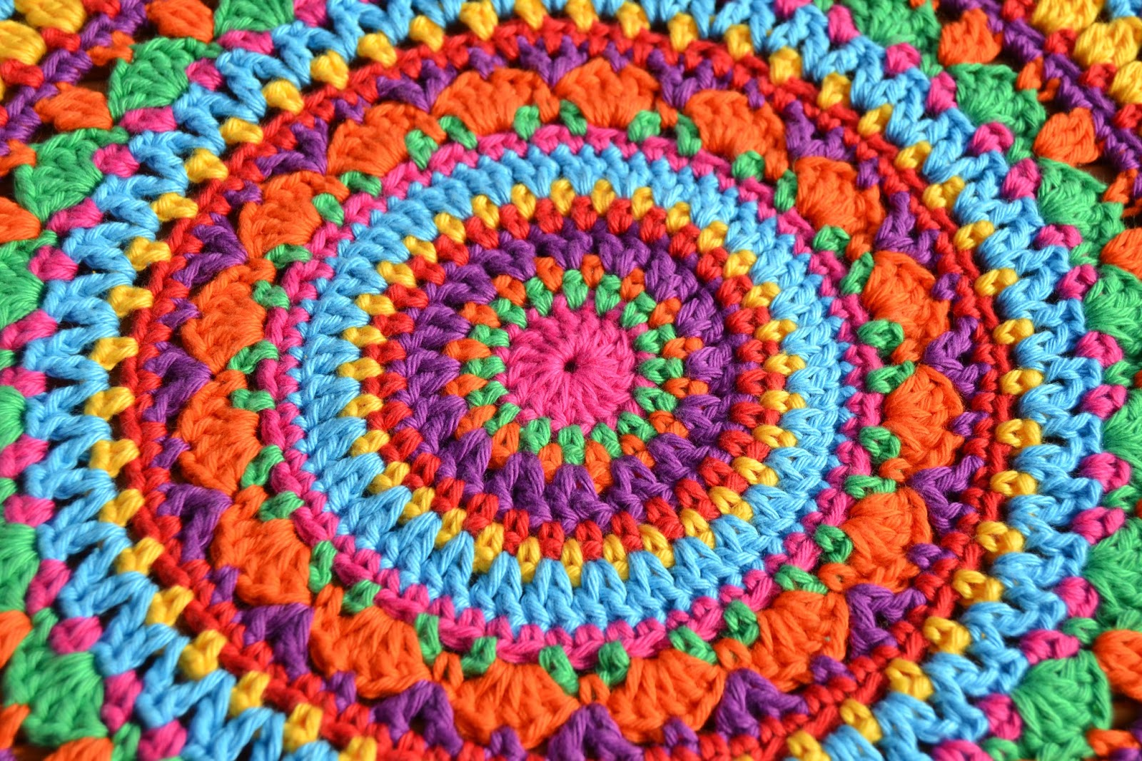 Atelier Marie-Lucienne: Lucienne\'s Summer Mandala - Part I / Teil 1