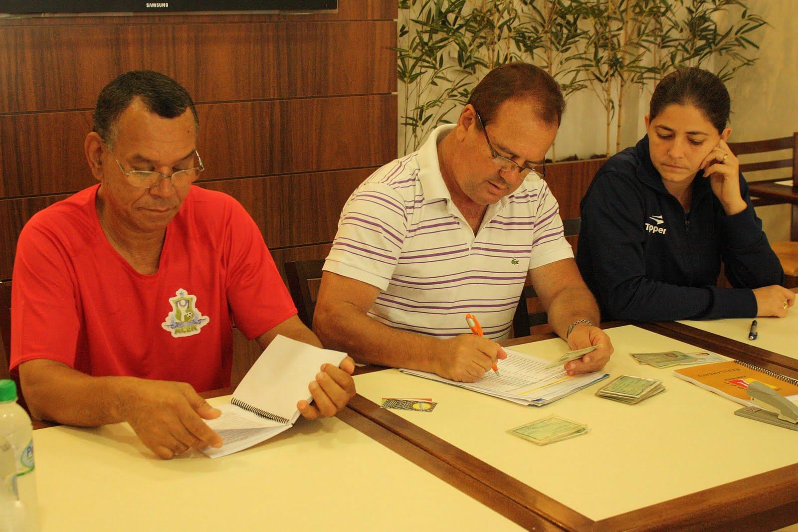 Associação Cultural Esportiva Kurdana - Cotia (SP)  Liga Futsal Feminina   Congresso Técnico confirma normas da competição  Kurdana Cotia se fez  presente 228f5cf09b691