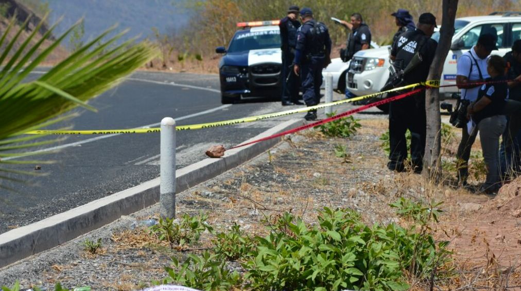 Dejan a tres ejecutados sobre la Chilpancingo - Tixtla en Guerrero