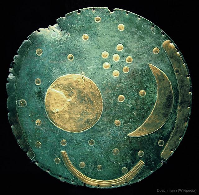 Bầu trời sao trên chiếc đĩa cổ. Hình ảnh: Dbachmann, Wikipedia.