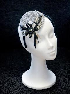 Sombrerito blanco y negro
