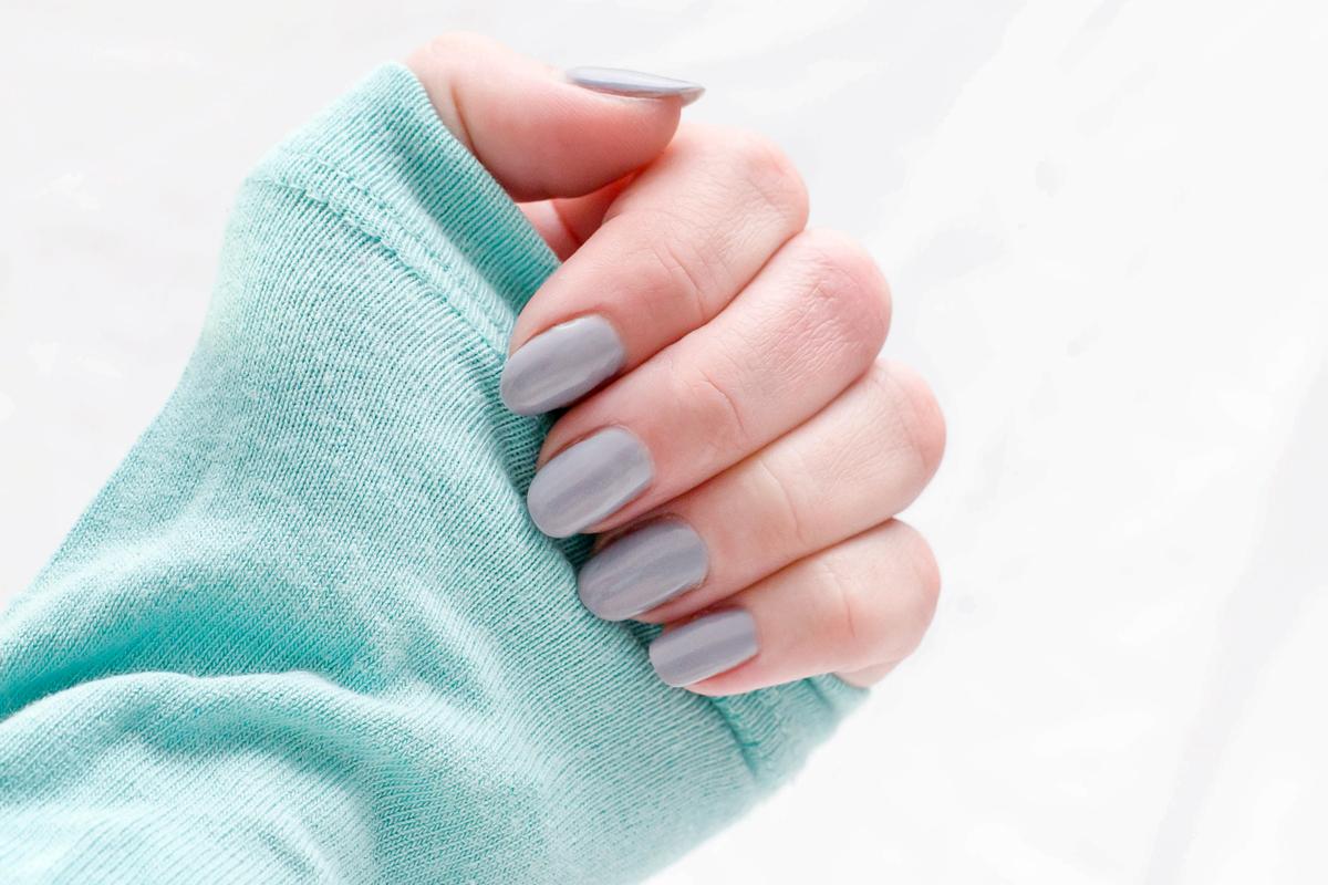 semilac, paznokcie, lady in gray, 141, jak wyglada na paznokciach,paznokcie