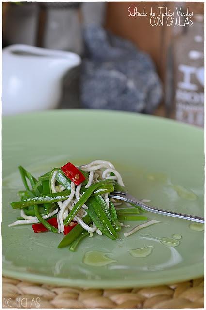Salteado de judias verdes con gulas