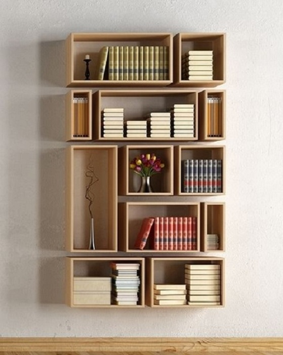 Konsep dari rumah minimalis yang bersama-sama yaitu kita sanggup memanfaatkan lahan yang sempi 25 Model Rak Buku Gantung Minimalis Terbaik yang Wajib Anda Miliki