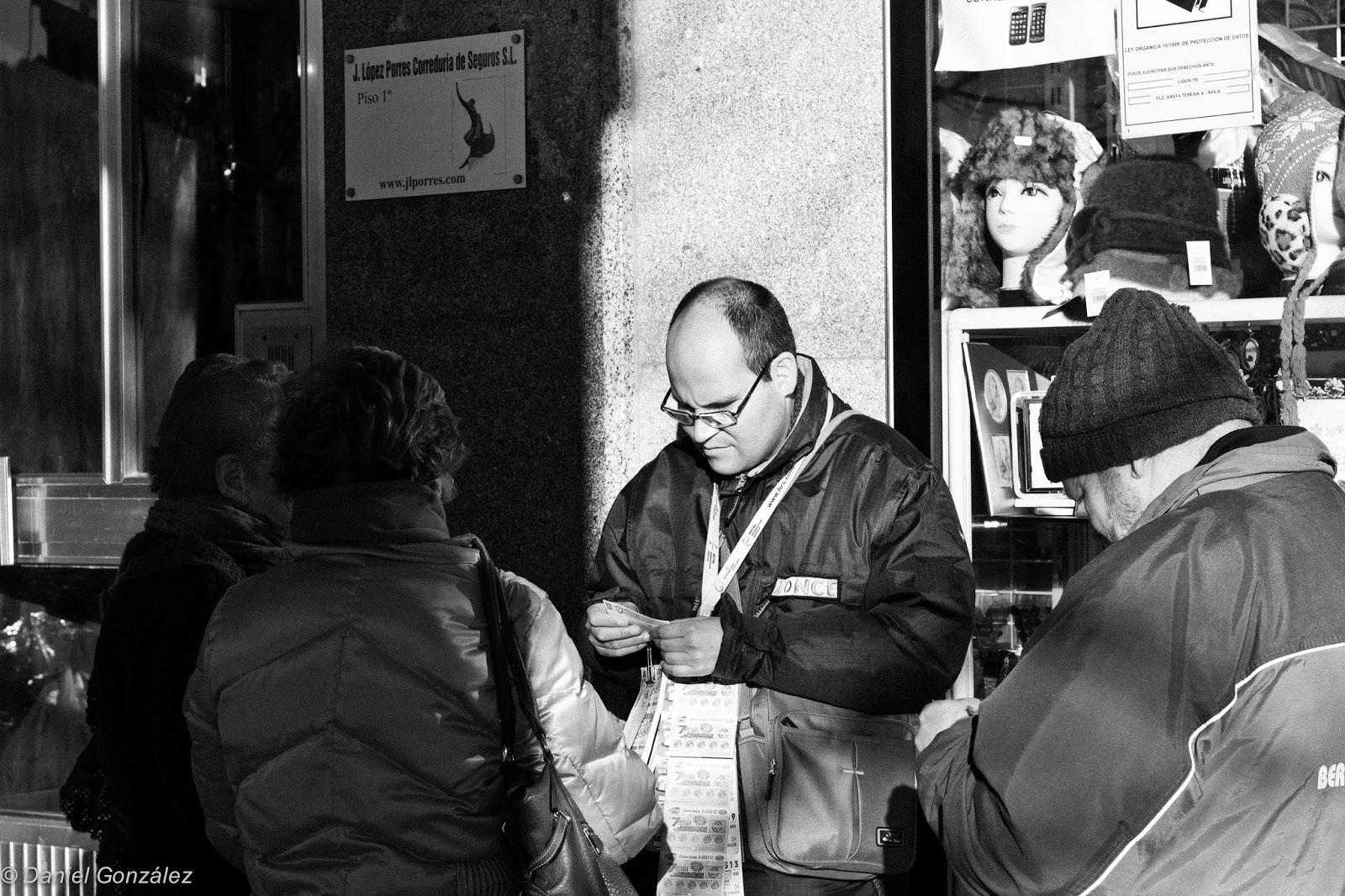 Vendedor de Lotería, Mercado Chico, Avila 2014