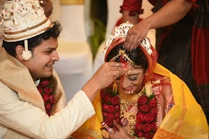 Paoli Dam Tied The Knot with her long time friend Arjun Dev
