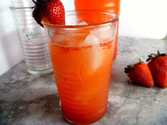 Quick and Easy Strawberry Lemonade:  Savor the last days of summer with this DELICIOUS drink!  Slice of Southern