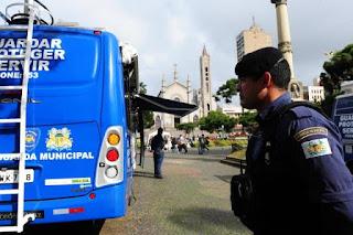 Base da Guarda Municipal em praça vira referência contra a insegurança no Centro de Caxias (RS)