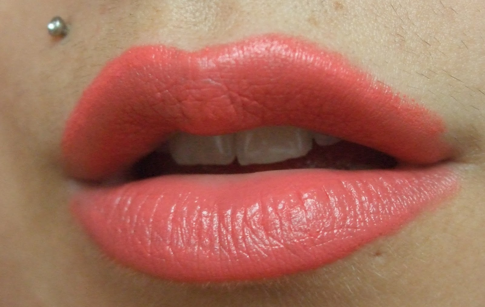 Favorito Confessions of a Cosmeholic: MAC Amplified Lipstick in Vegas Volt  TG04