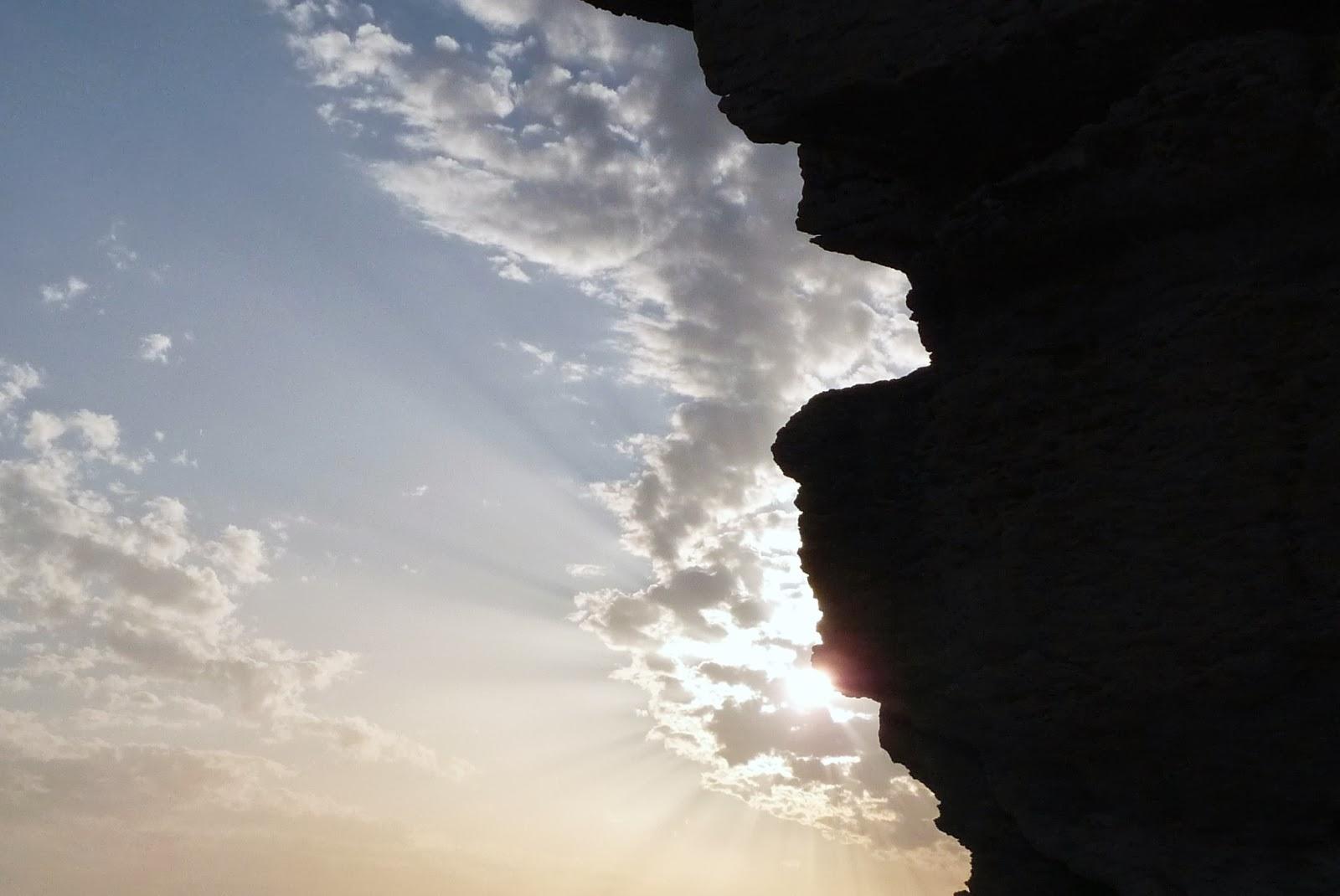 A Luz De Um Novo Dia Invade A Minha Alma E O Coração Se: Letras à Solta: Coincidências Tristes