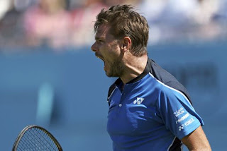 Wawrinka making winning starts at Queen's Club