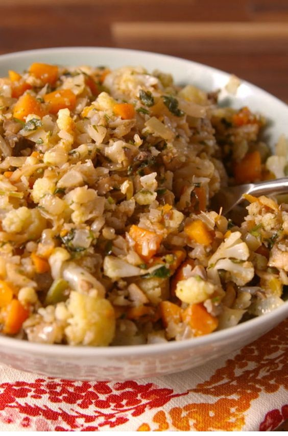 This Low-Carb Cauliflower Stuffing Proves Bread Is So Overrated