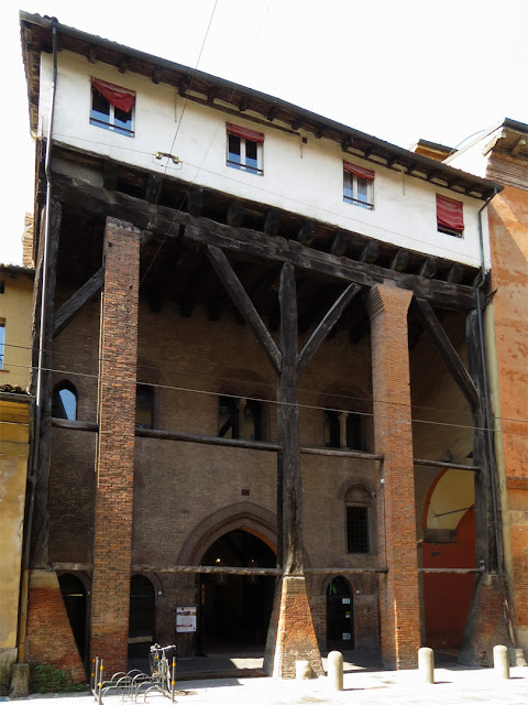 Casa Isolani (Isolani House), Strada Maggiore, Bologna