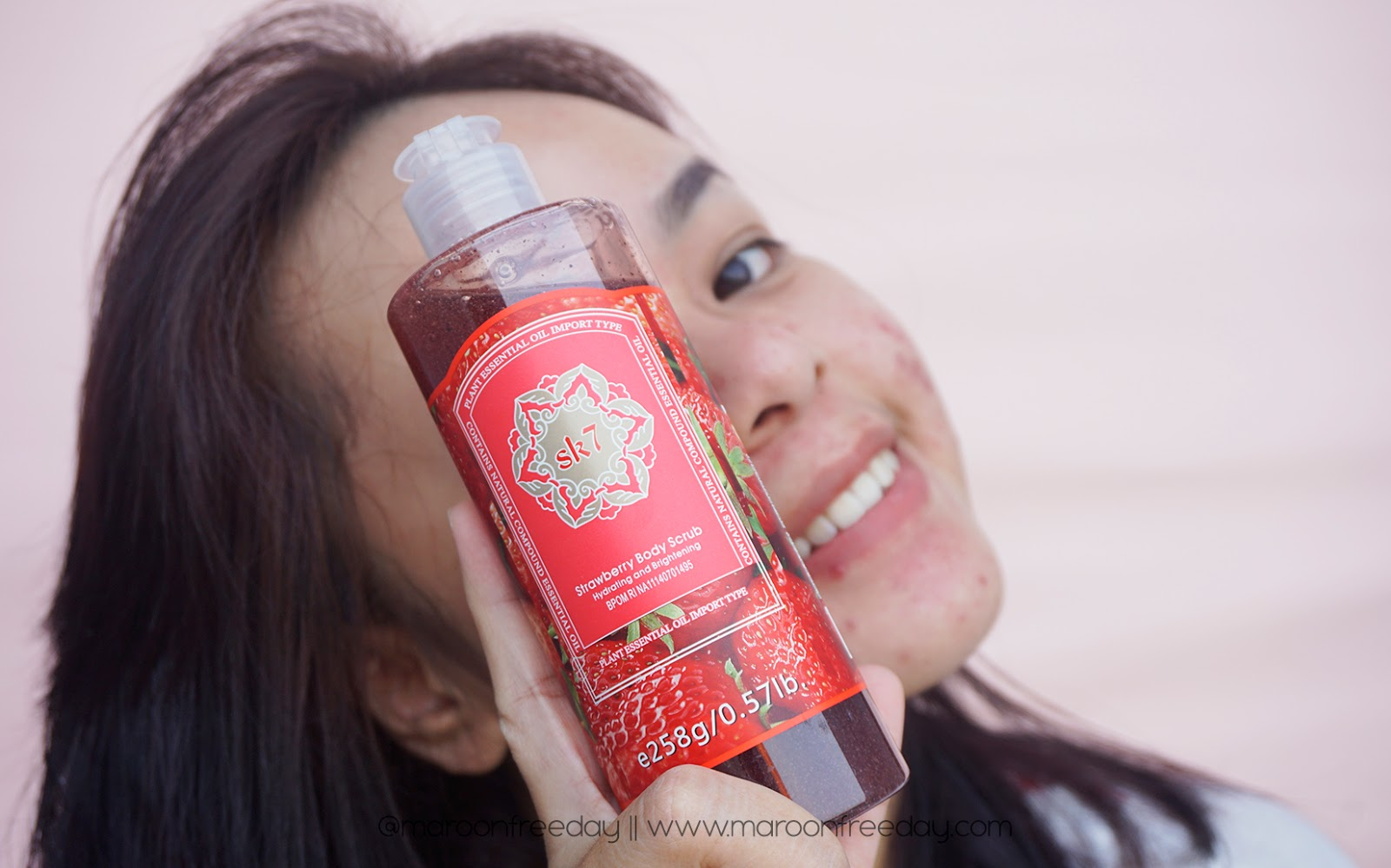 SK7 Strawberry Body Scrub