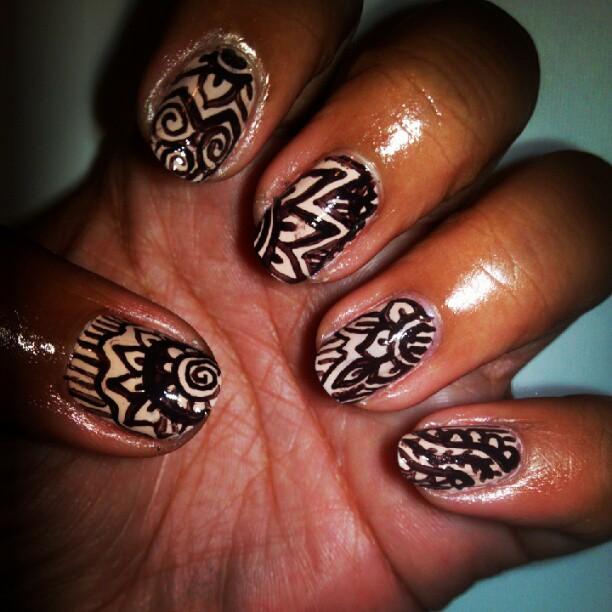 Nail Art Henna: ManiFaceted: Henna Inspired Nail Art