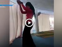 Astagfirullah! Gadis Jilbab Ini Malah Joget Hot Sambil Begini, Videonya Bikin Geger Dan Dikecam Netizen