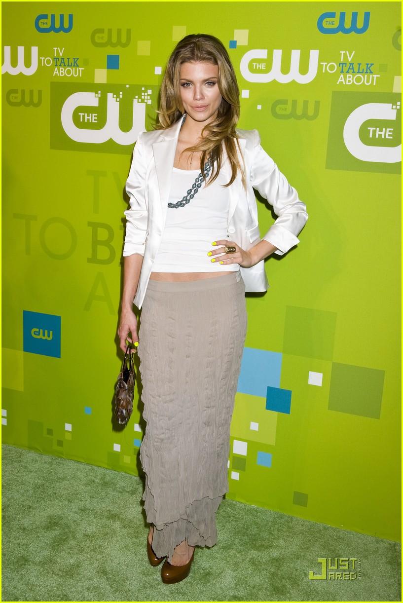 Las gemelas Olsen también son adictas a las faldas largas f95ce9b48567