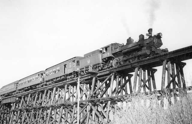 26 January 1941 worldwartwo.filminspector.com Tiburon Trestle California