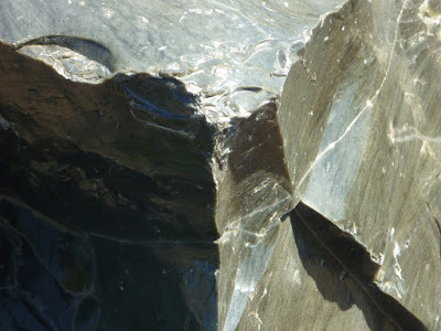 Nature's glass: obsidian