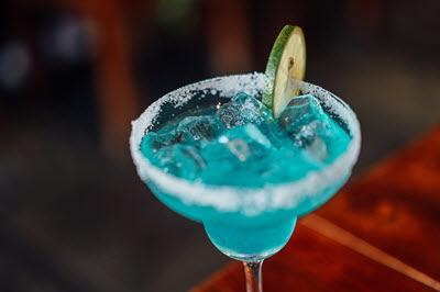 lam-nao-de-tro-thanh-mot-bartender