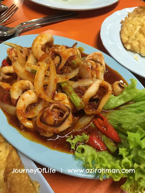 makan malam di bangkok tom yam bayan lepas, pulau pinang