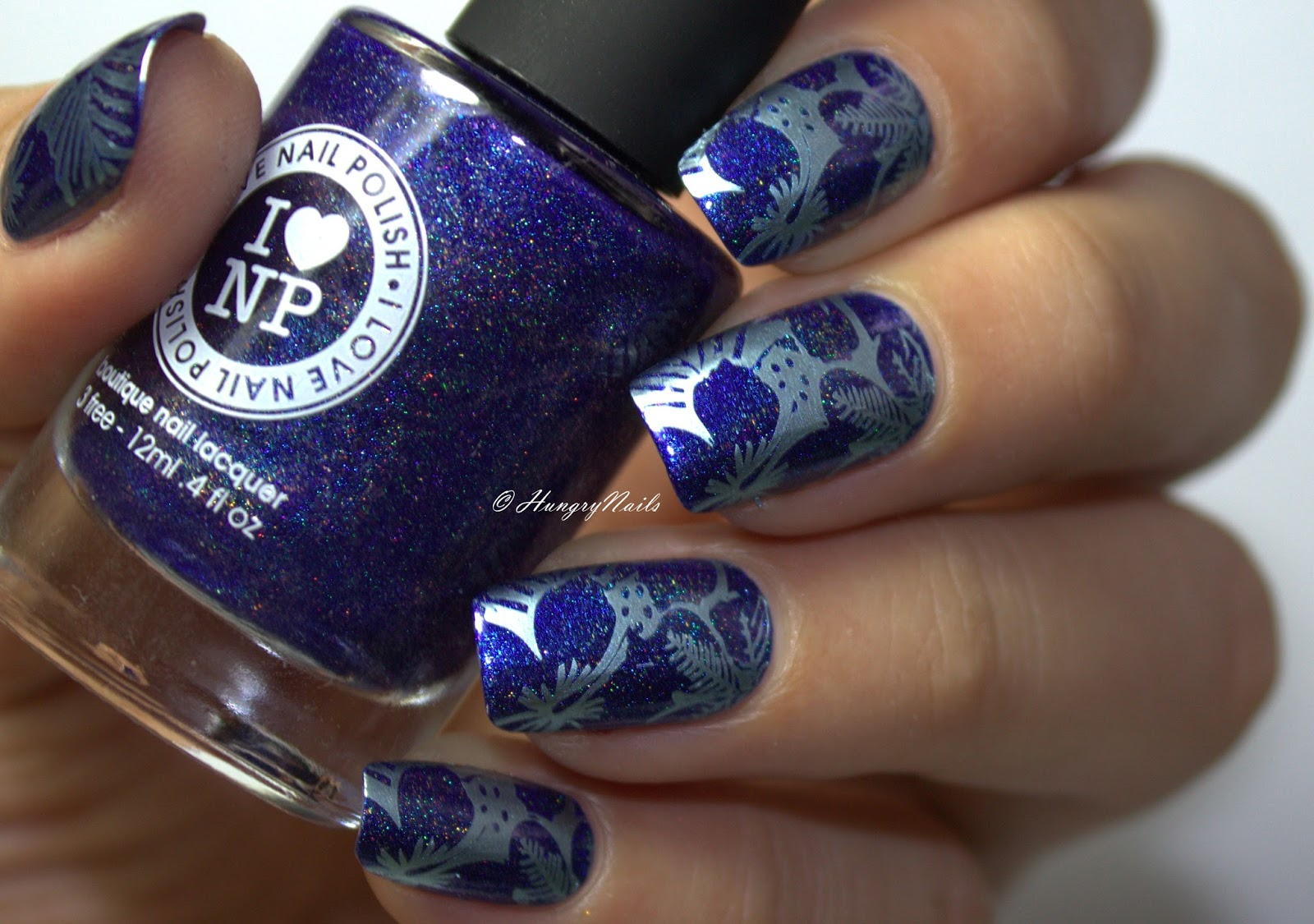 http://hungrynails.blogspot.de/2016/07/blauer-hibiskus-mit-ILNP-Summer-Stargazing.html