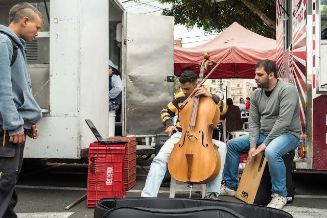 Músicos na feira