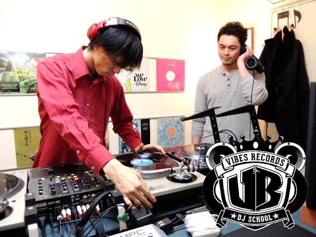 VIBESRECORDS DJ SCHOOLのレッスン模様です。