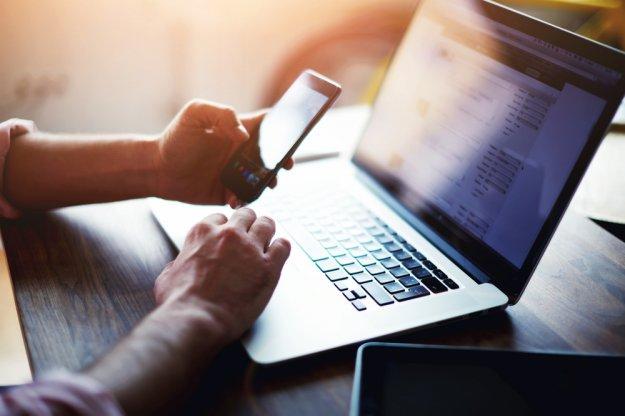 Τι αλλάζει στα συμβόλαια για κινητά και ίντερνετ από 1η Ιανουαρίου