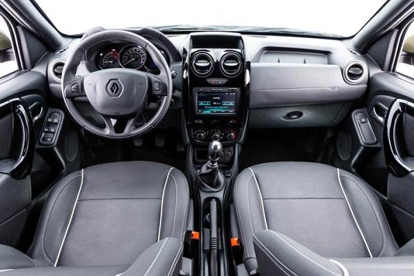 Renault Duster Oroch interior