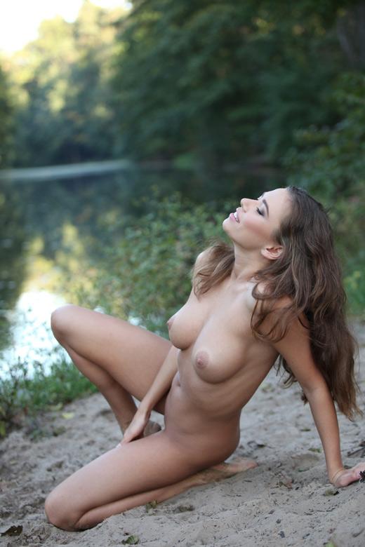 Naked pictures of josh duhamel